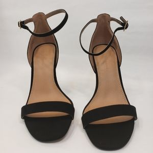 NEVER WORN Classic Barely There Sandal